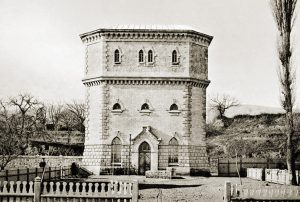 Двойная водонапорная башня на станции Дербент, н. ХХ в.