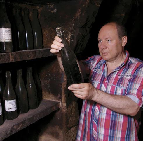 Леонид Гелибтерман знакомится с продукцией дагестанских производителей